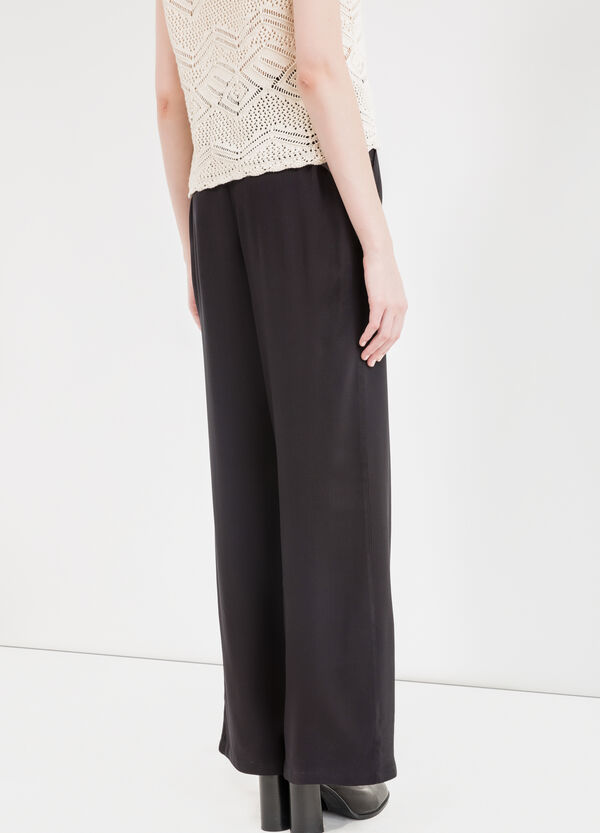 Pantaloni a zampa pura viscosa | OVS