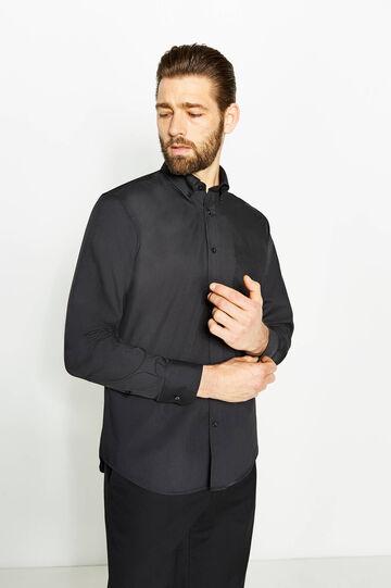 Camisa formal regular fit con cuello abotonado, Negro, hi-res