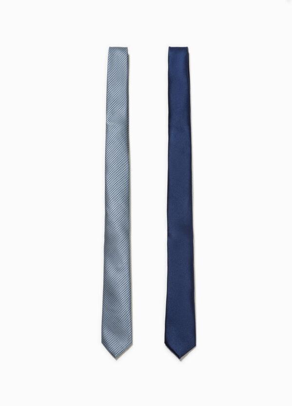 Pack de dos corbatas en color liso y con estampado | OVS