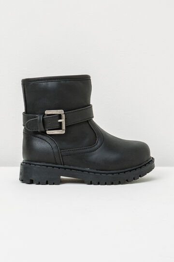 Ankle boots with thick tread sole and buckle