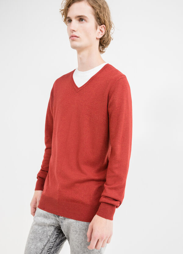 V-neck pullover in viscose and wool blend | OVS