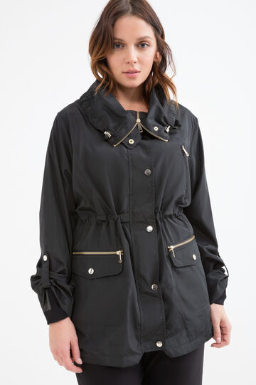 Curvy solid colour parka with high neck.