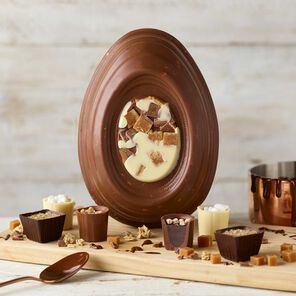 Chocolate Fudge Brownie Easter Egg (338g)