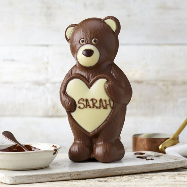 Bear Hugs Chocolate Model (250g)