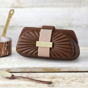 Milk Chocolate Clutch Bag (150g)