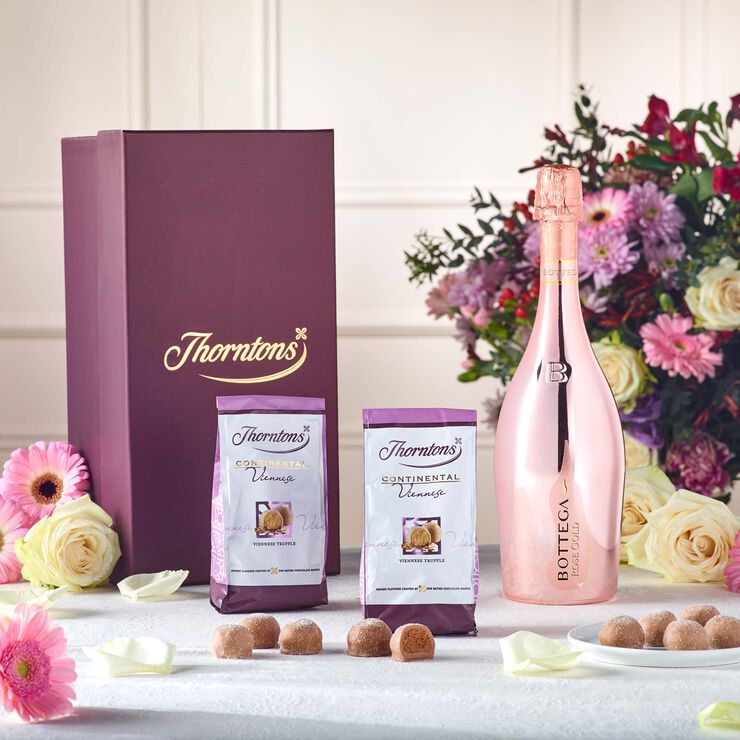 Pink Prosecco & Chocolate Hamper