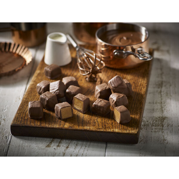 Chocolate Smothered Fudge Box (350g)