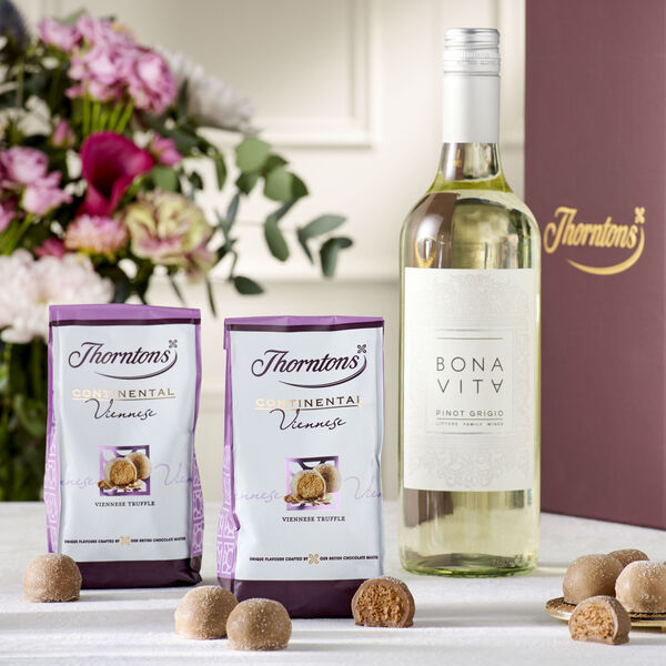 White Wine & Chocolate Hamper