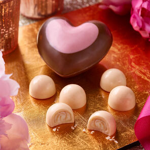 Prosecco and Strawberry Heart Box