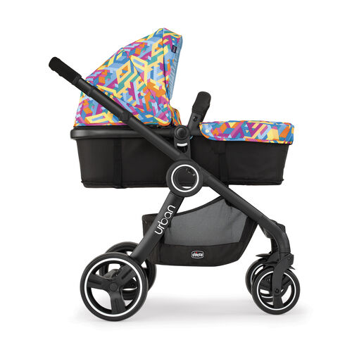 Change modes of your Urban stroller featuring a forward facing bassinet/carriage mode