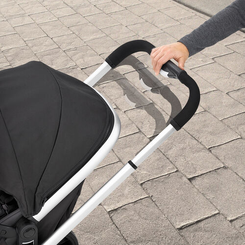 The Chicco Urban 6-in-1 Modular Stroller handle is adjustable for parents of different heights
