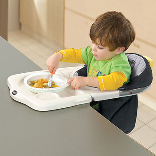 Baby can face inward with the 360 Hook-On Chair for regular mealtimes