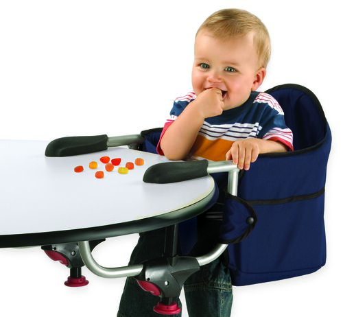 Using the hook-on travel seat for a quick snack