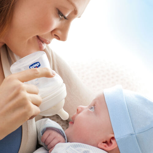 95% of Moms said baby switches easily between breast and bottle feeding and back.*