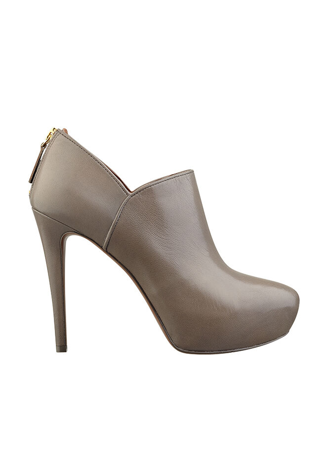 Nine West Bot