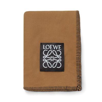 LOEWE Plain Blanket キャメル front
