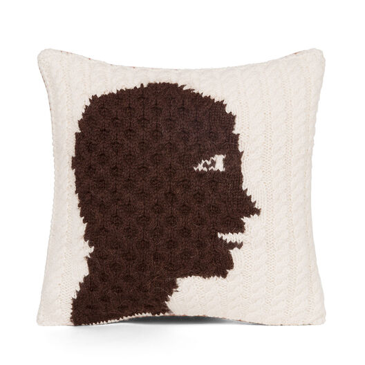LOEWE Hand Knitted Cushion 4 40X40 White/Dark Brown all