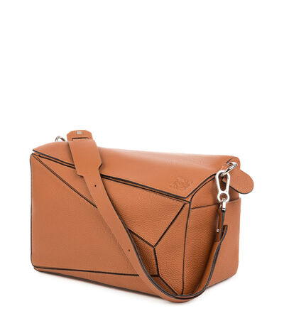 LOEWE Puzzle Extra Large Bag Tan front