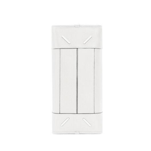 LOEWE Amazona 28 Bag Soft White all