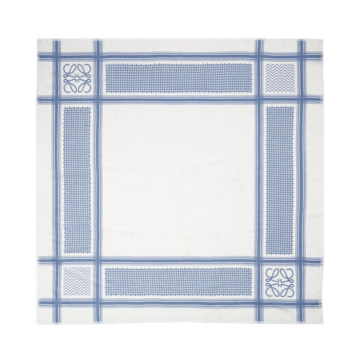 LOEWE 140X140 Kefia Shawl Light Blue/White all