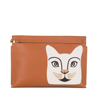 LOEWE Cat T Pouch Tan/White front