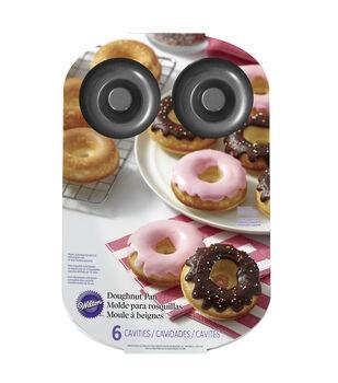 Wilton® 6 Cavity Doughnut Pan