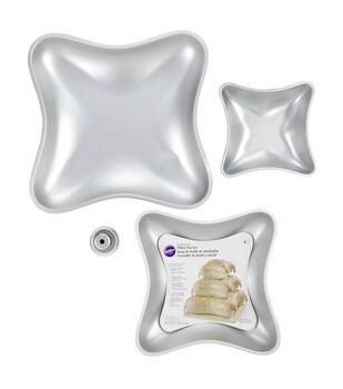 Wilton® Performance Cake Pan Set-Pillow 3 PK