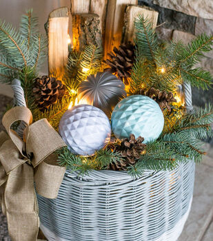 How To Make A Winter Woodland Basket with Lights