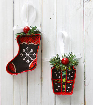 How To Make ¬Cookie Cutter Needle Arts Ornaments