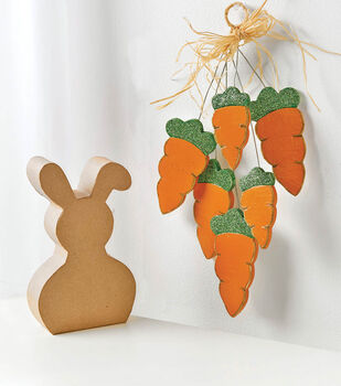 Wood Carrot Swag