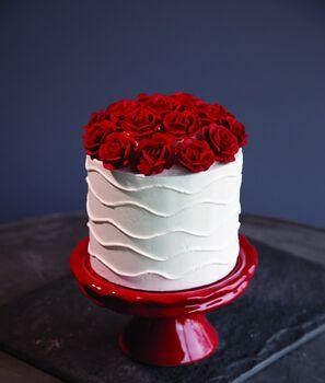 Wilton® Roses Cake