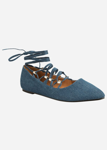 Pointed Lace-Up Flat