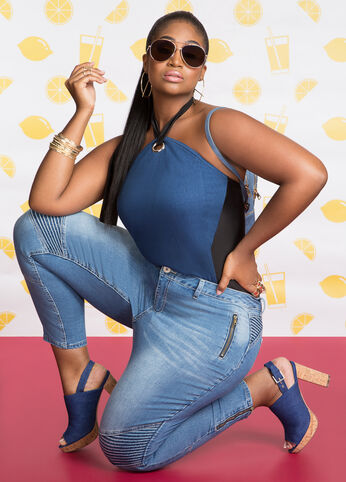 Plus Size Outfits - Off-Duty Denim
