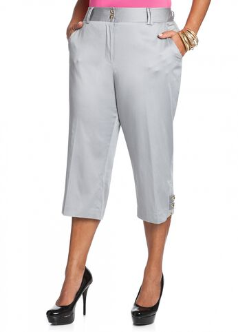 Double Snap Button Capri Pant