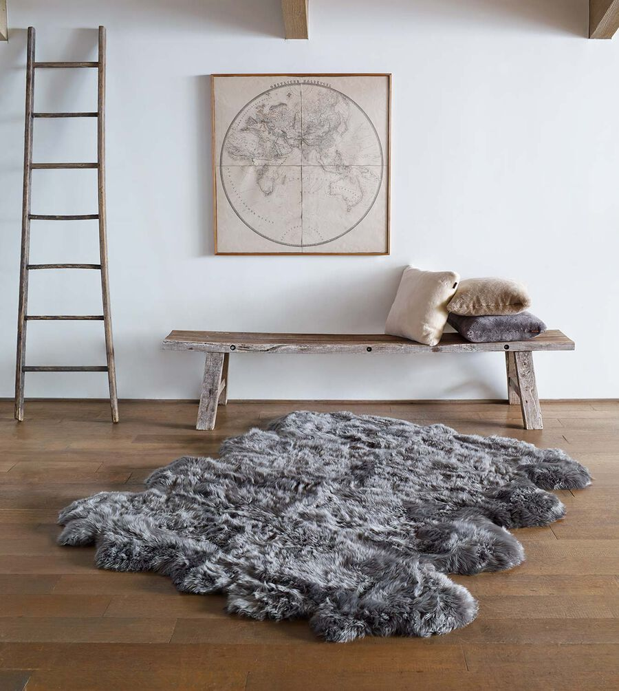 Sheepskin Area Rug Octo - Image 2 of 2
