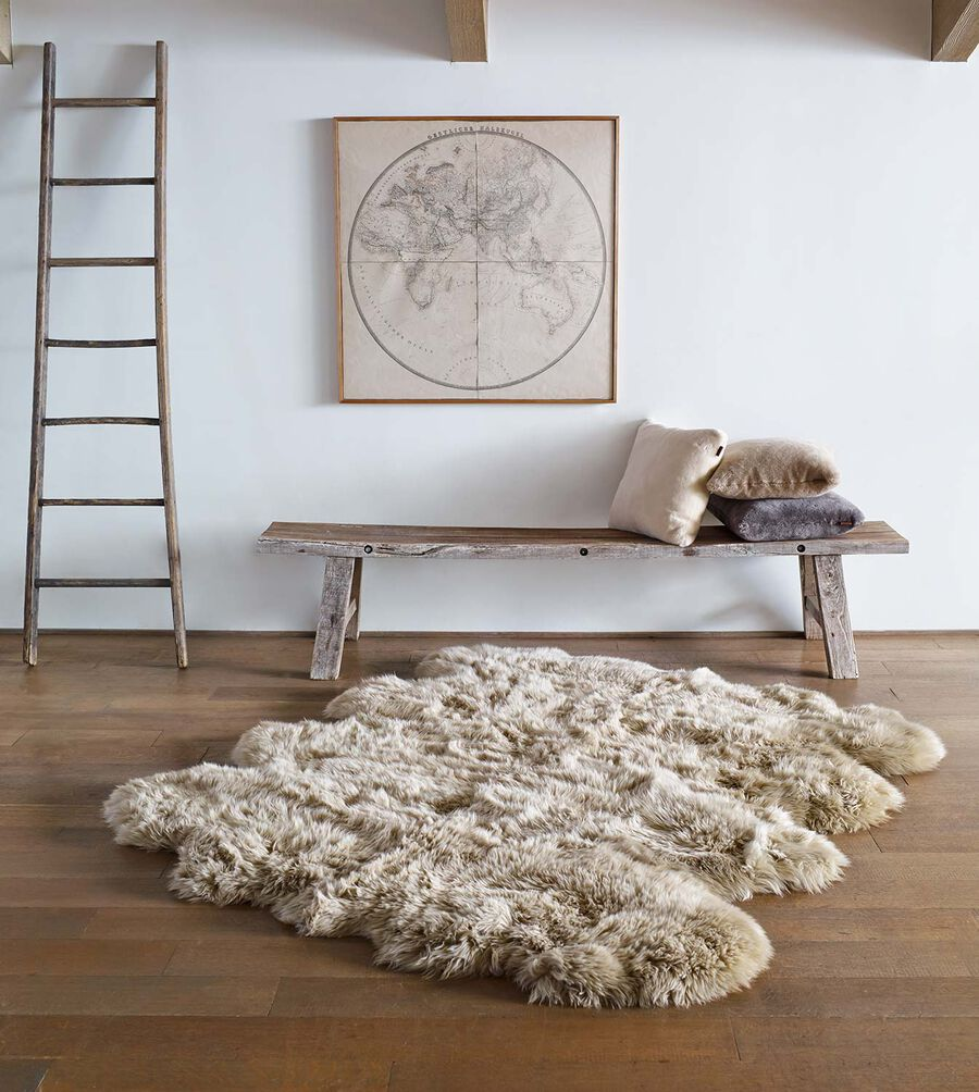 Sheepskin Area Rug Octo - Image 2 of 2