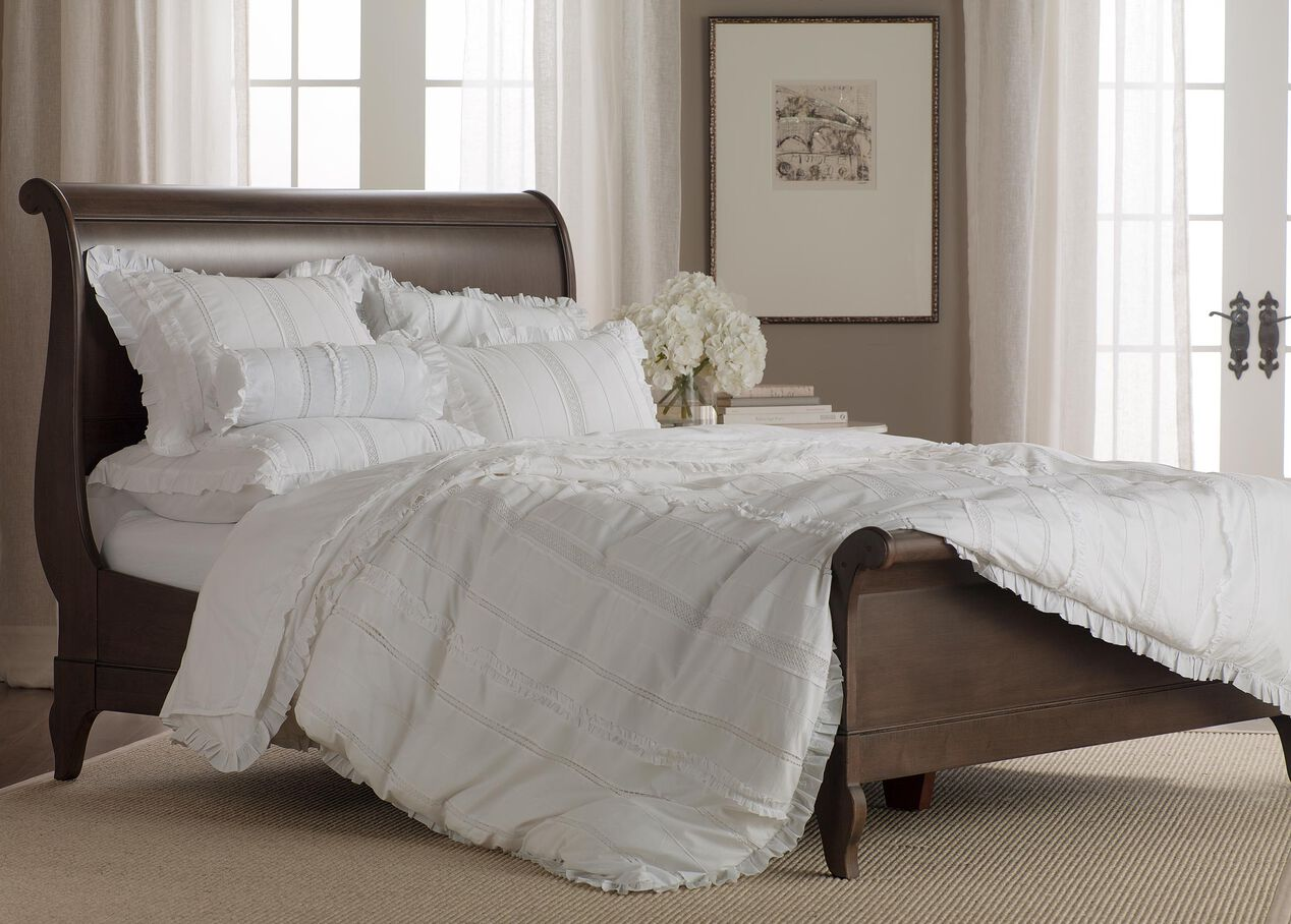 Chloé Bed | Beds