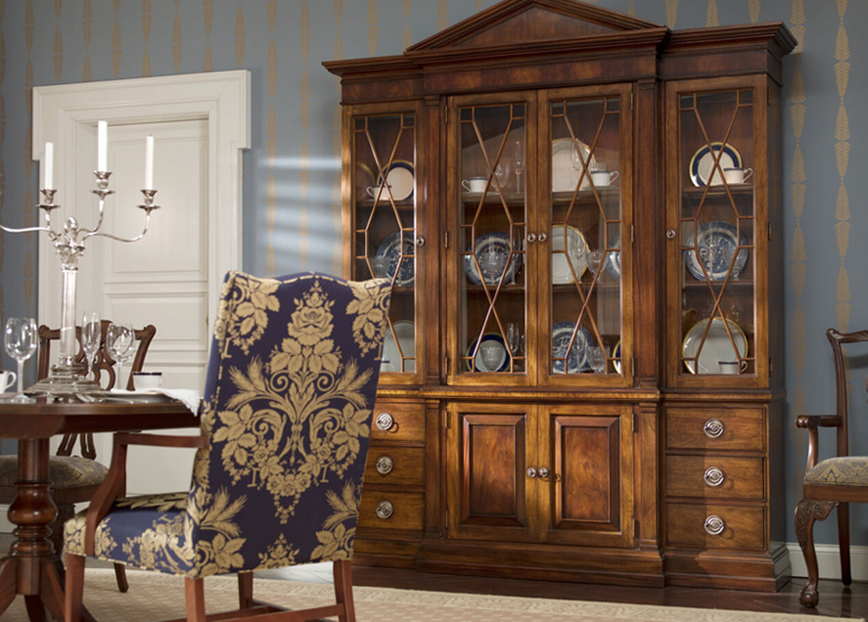Wooster china cabinet china cabinets for Dining room hutch canada