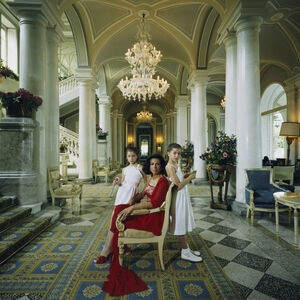 """Art - Slim Aarons """"Droulers And Daughters"""" Photograph"""