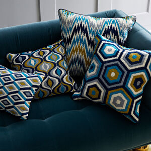 Patterned - Turquoise Bargello Honeycomb Throw Pillow