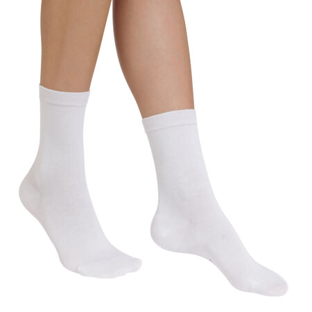 chaussettes blanches hydratantes sublim femme. Black Bedroom Furniture Sets. Home Design Ideas