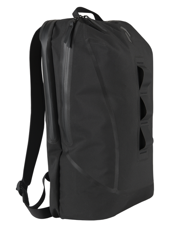 Daypack 20L Black | Peak Performance